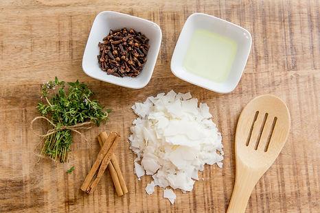 Natural ingredients present in Meeraboo candles.