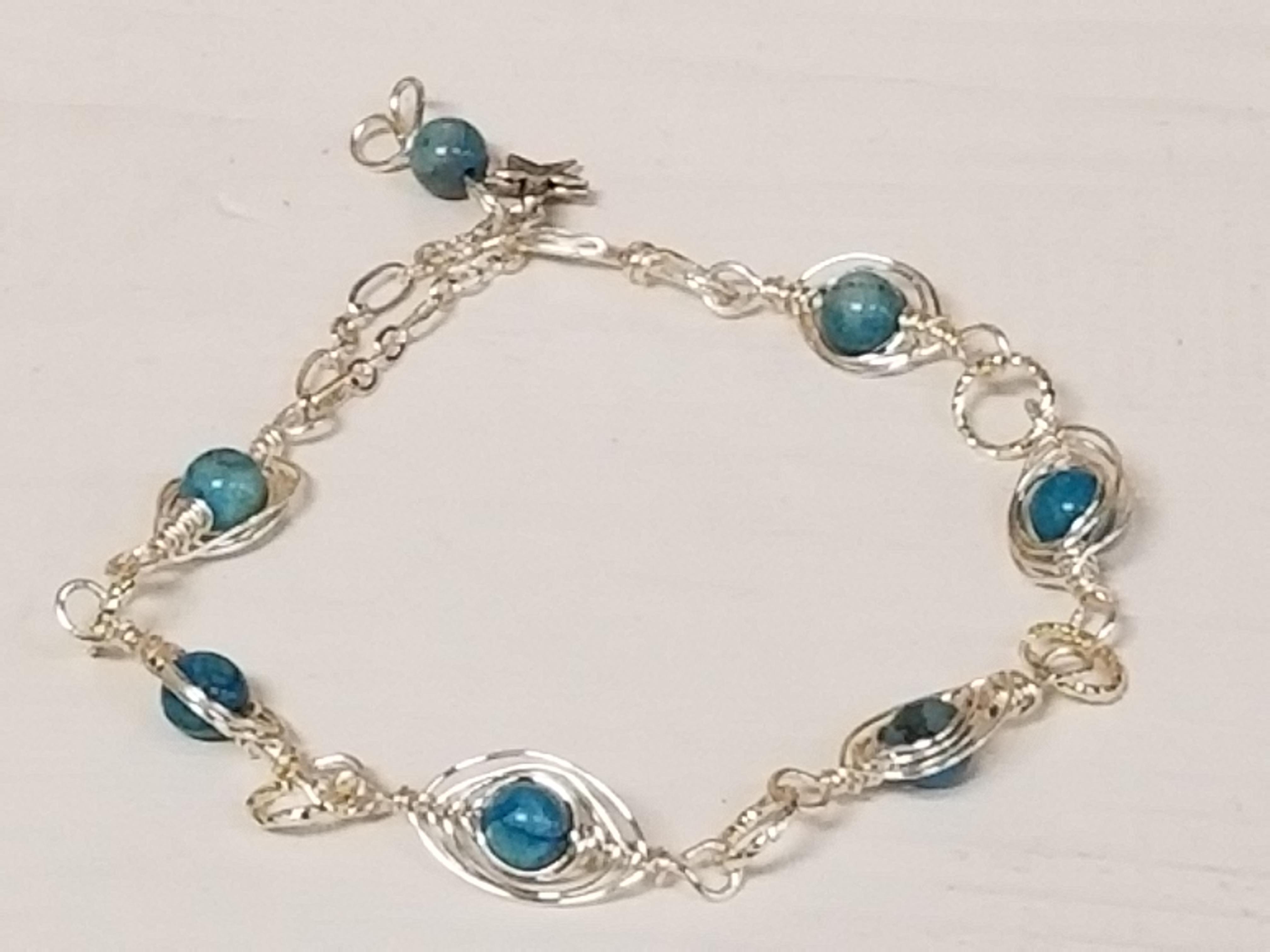 Wire Eye bracelet