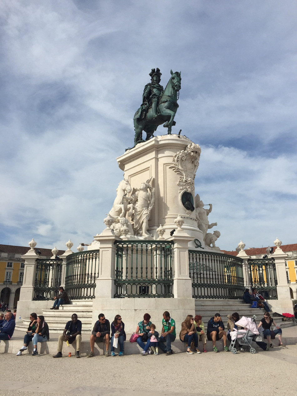 Hunting for Clues in Lisbon