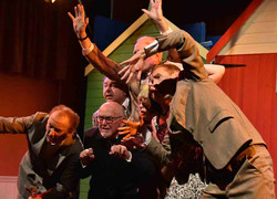 One Man Two Guvnors (5)
