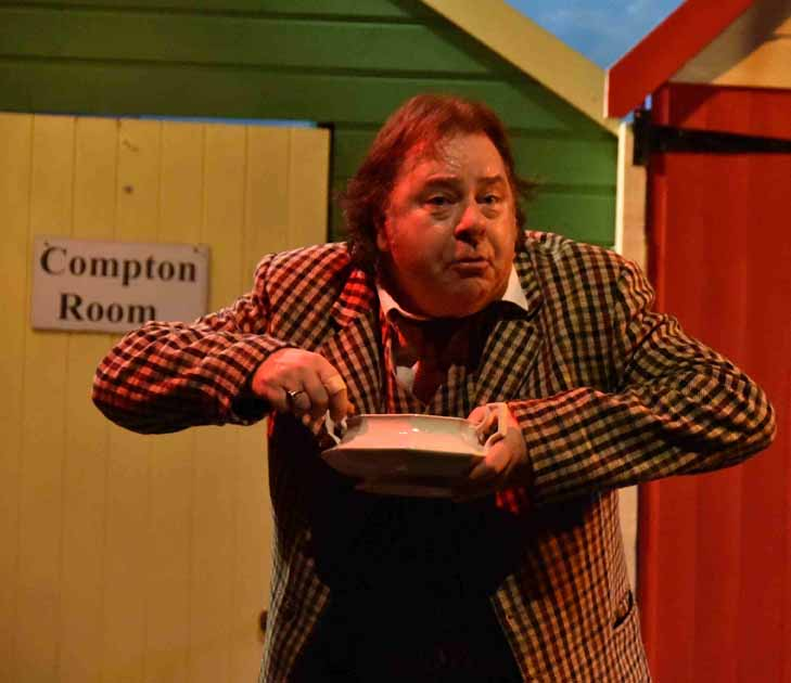 One Man Two Guvnors (14)