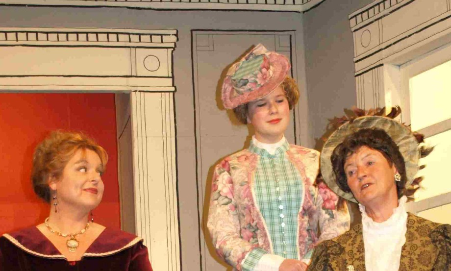 Lady Windermere's Fan  (5)_edited
