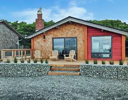 Manzanita Oceanfront Cabin Exterior