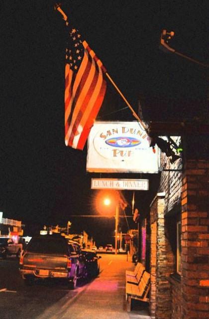 San Dune Pub, Manzanita Beach