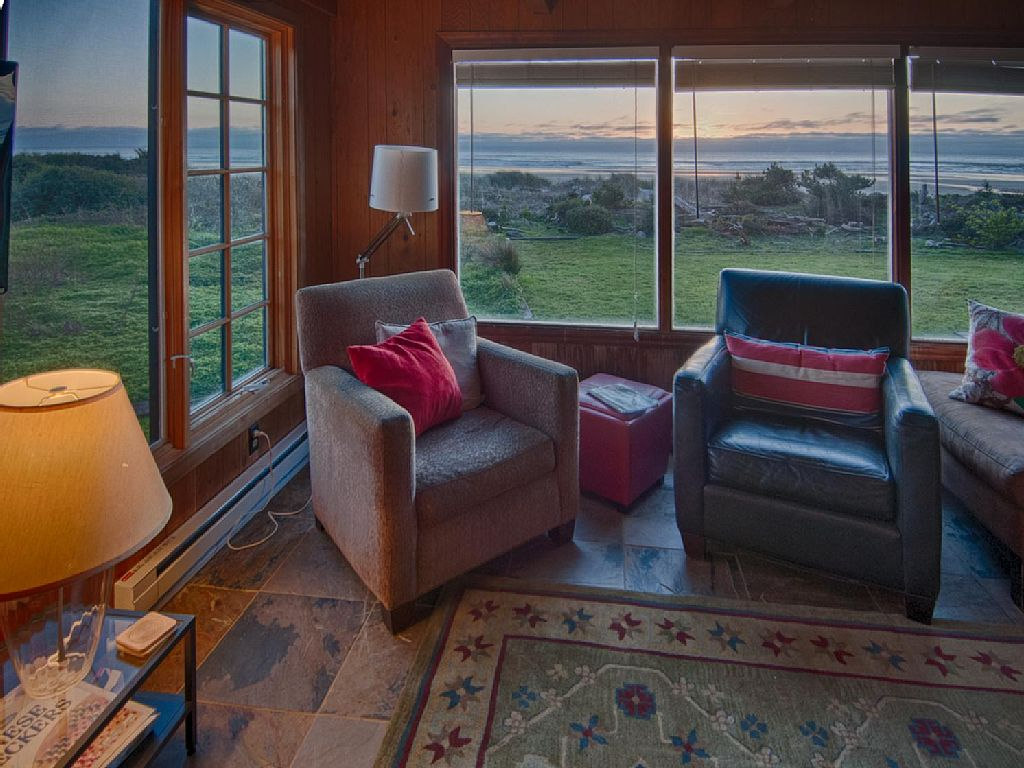 Manzanita Rental Oceanfront Cottage