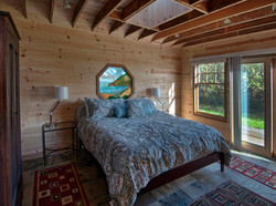 Oceanfront Cottage master bedroom