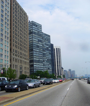 Streeterville_portion_of_Lake_Shore_Driv