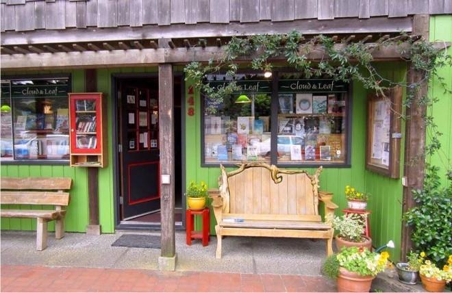 bookstore, Cloud & Leaf, Manzanita Oregon