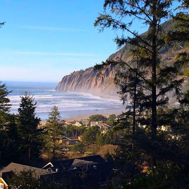 our beachfront vacation rentals on beautiful Manzanita Beach, Oregon.
