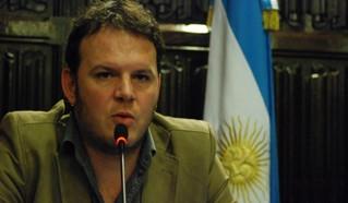 """Carlos Pisoni: """"La gran deuda que tenemos es la democratización de las Fuerzas de Seguridad"""""""