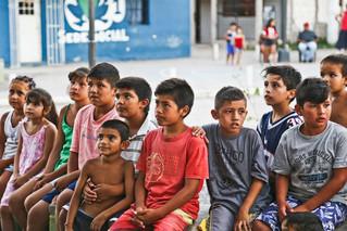 Seis de cada diez niños son pobres según informe de la UCA