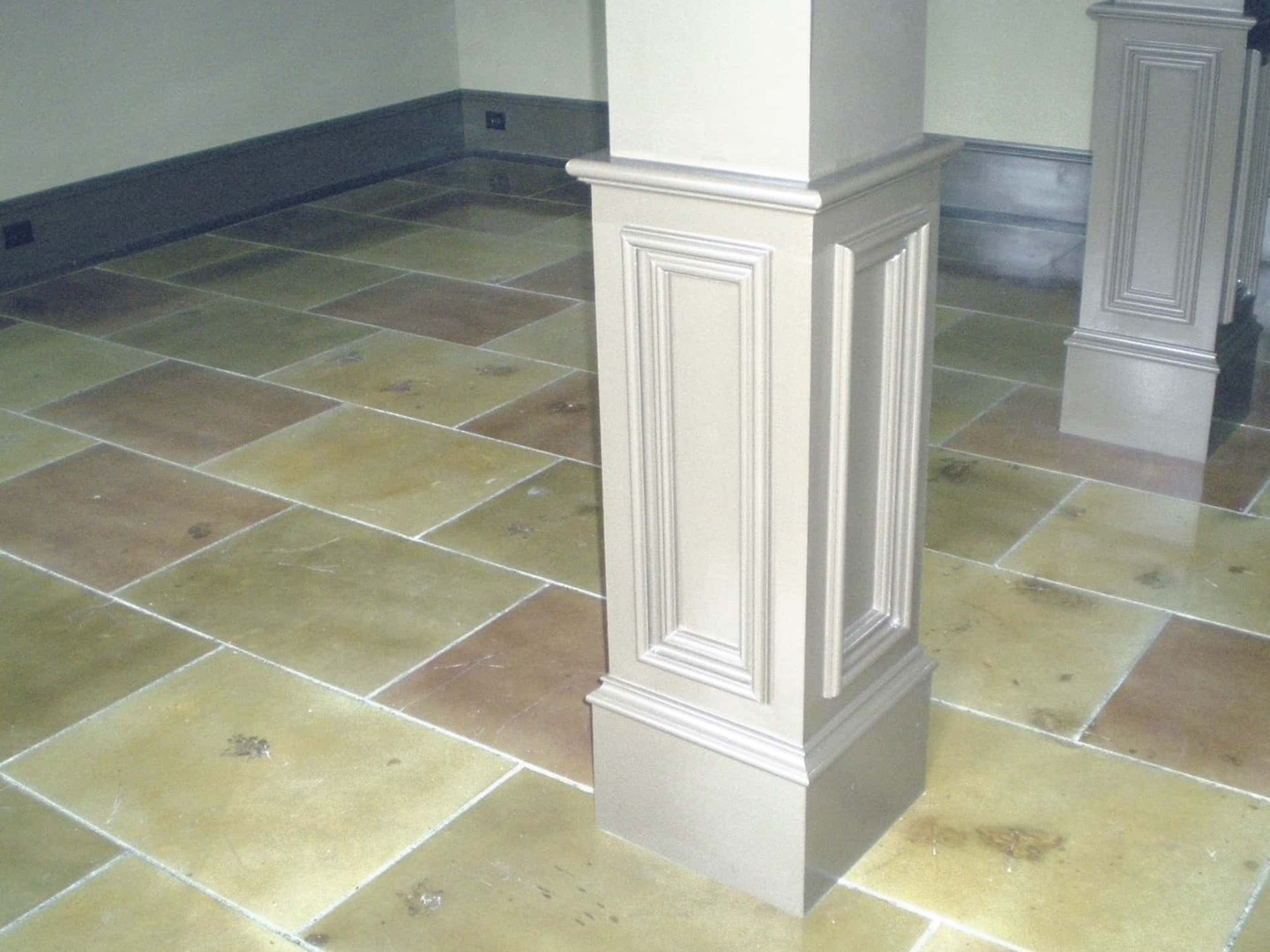 Concrete staggered tile