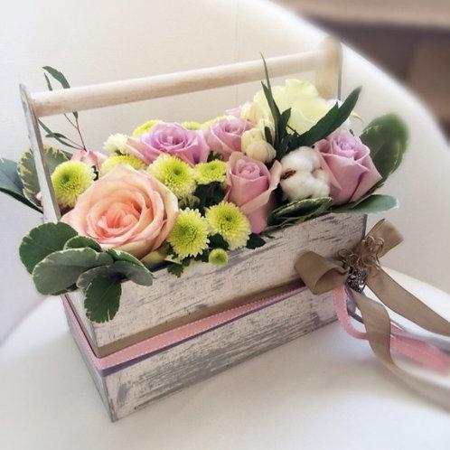 деревянный ящик с ручкой для цветов