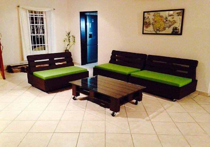 Комплект мобильной мебели из паллет для дома /арт. MП-016/