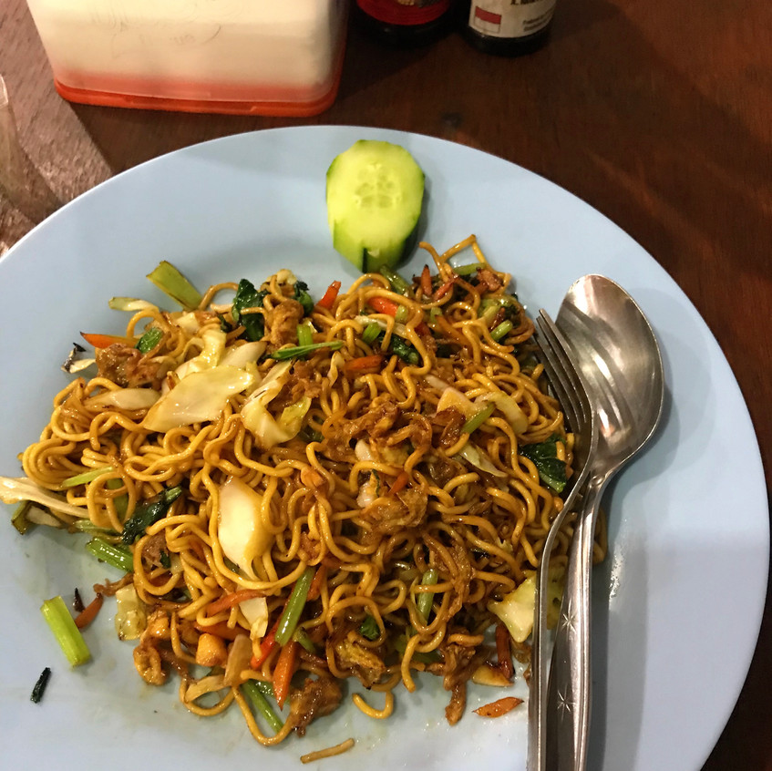 Even simple food, served direct from a warung (local restaurant) is sure to please... This was freshly made with heap of local spinach and flavour. Delicious!