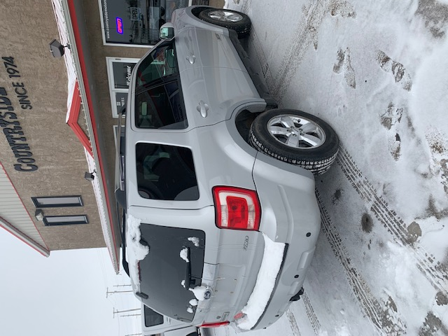 08 escape pside rear