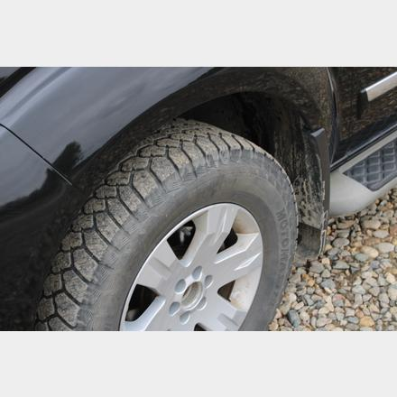 10 pathfinder tire
