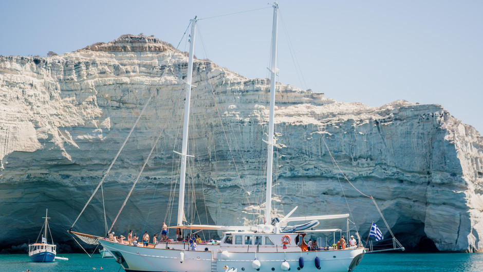 The Most Beautfiul Beaches You Must See in Milos