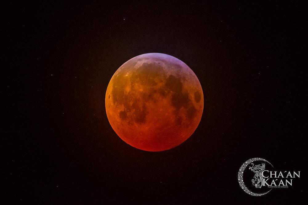 Eclipse Lunar, 20-21 de enero 2019.  Foto tomada desde el Planetario de Cozumel.