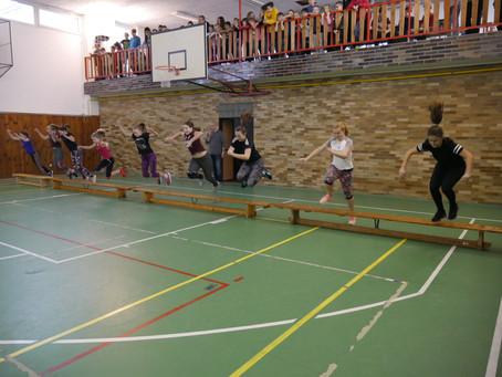 Školáci z Vrd závodili v tělocvičně