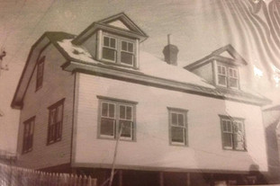 Ralph Hicks House just after contrcution