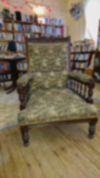 mod_Readers Throne.jpg