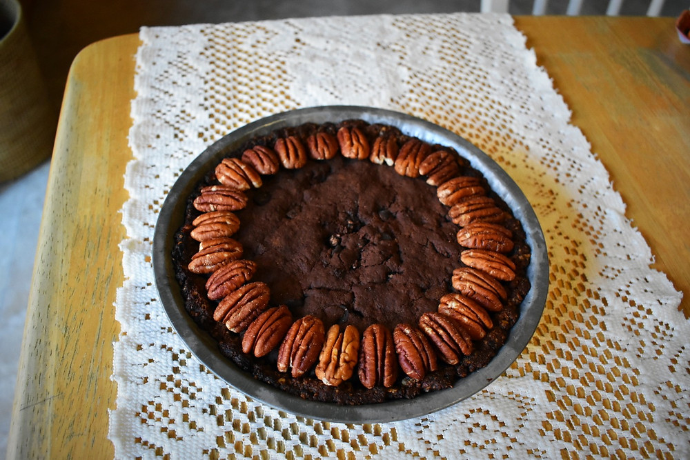 Vegan pecan brownie pie