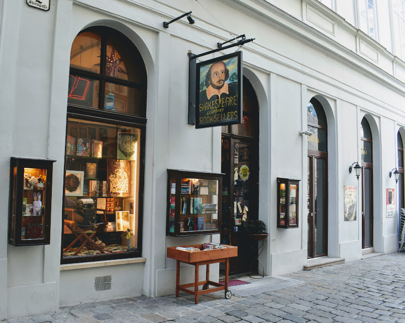 Shakespeare & Company, Vienna. Aka my new starving artist hangout spot.