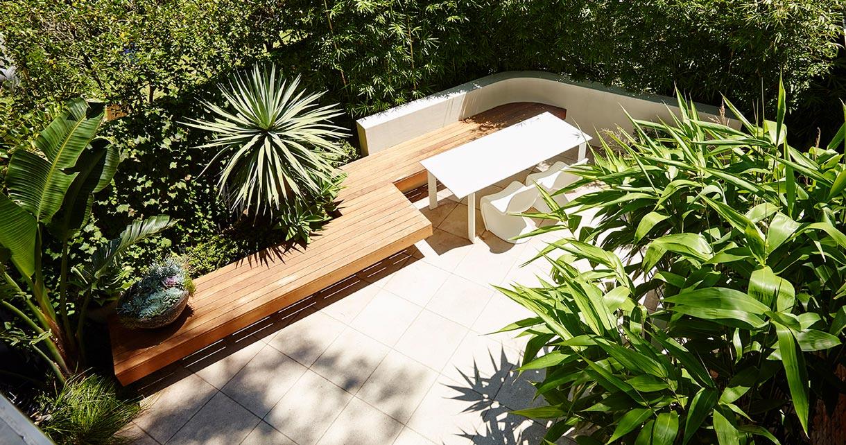 contemporary_courtyard_100216_127646