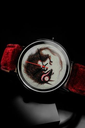 〔yunivers hsieh 心流時光 藝術家聯名腕錶〕郭欣昀 愛 · 銀狼 · 老鼠(錶背雷雕藝術家簽名與錶款限量編號)_08.jpg