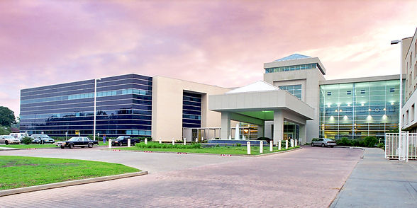 Memorial Medical Center Exterior web.jpg
