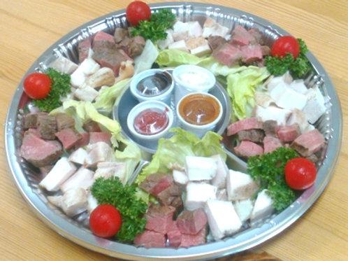 蔵王牛とあべ鶏の糀ロースト角切盛  直径32cm