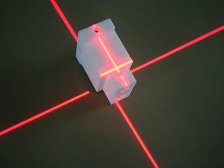 Näkyykö lasersäde peilistä? Lasersäteen näkyvyys on monen tekijän summa