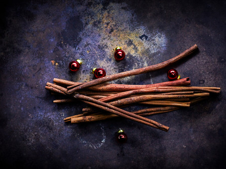 Healing Herbs & Spices to Use This Holiday Season
