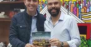 São Paulo Mayor Bruno Covas receives edition of City's Book