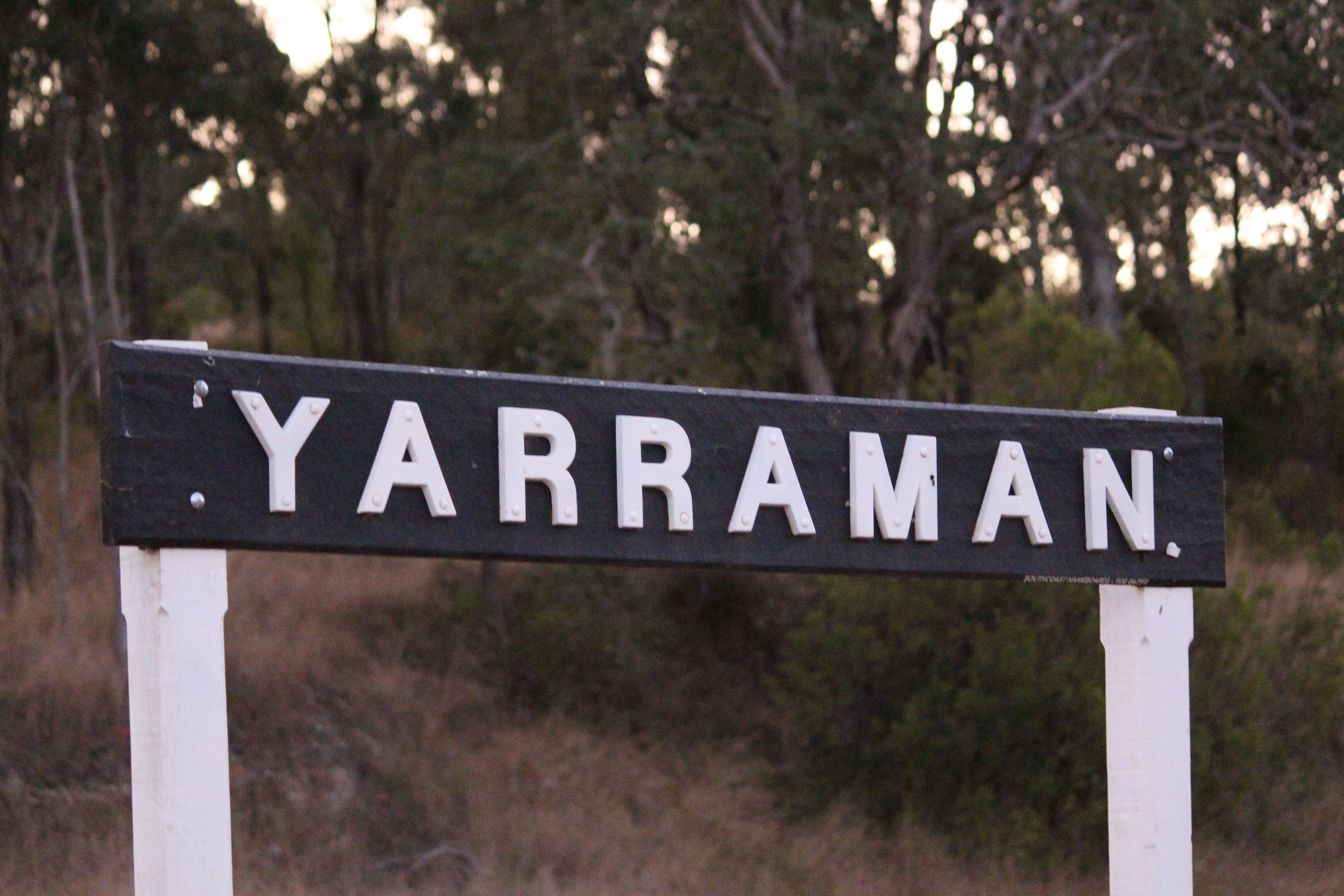 Yarraman Railway Station