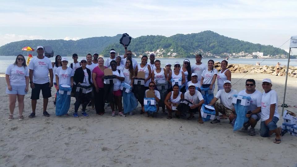 Essa ação teve como objetivo a remoção de lixo na orla da praia do Gonzaguinha em São Vicente. Foram utilizados dois tipos de Niltex, para lixo seco e úmido, nas cores branco com sacos de lixo azuis e cizas com sacos de lixo preto.