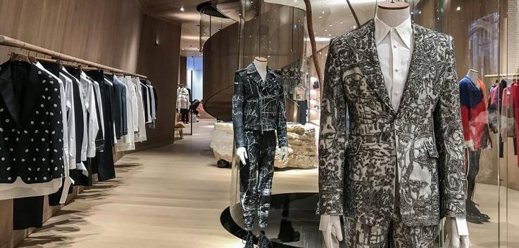 1.-Luxury-Retail-Luxury-Shop.jpg