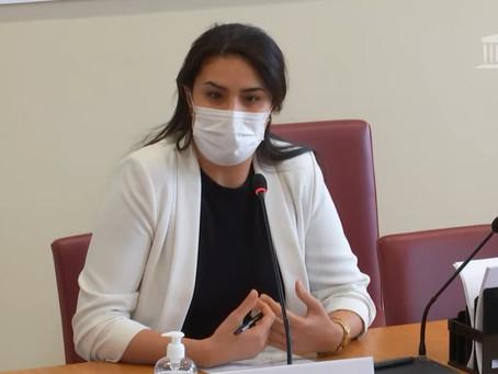 Oratrice à la commission des affaires étrangères