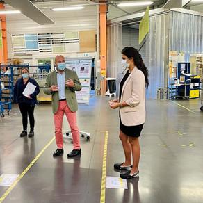 Visite de la plateforme de distribution de courriers de Cherbourg-en-Cotentin.
