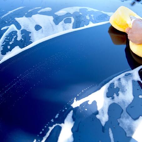 Comment laver sa voiture en minimisant son impact environnemental ?