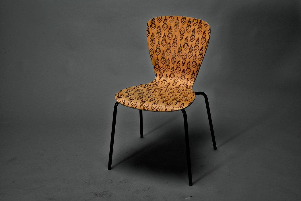 Julia Moser, Lia, Branntmalkolben surface wood design, burning, Lia, pattern, Oberflächengestaltung, Aufwertung durch Abwertung, gezieltes Anbrennen