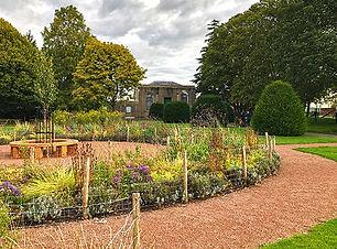 winston_churchill_memorial_garden_seatin