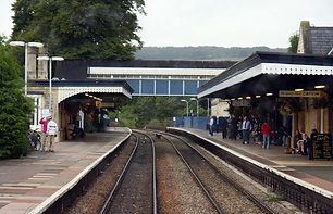 Stroud_Station_-_geograph.org.uk_-_16298