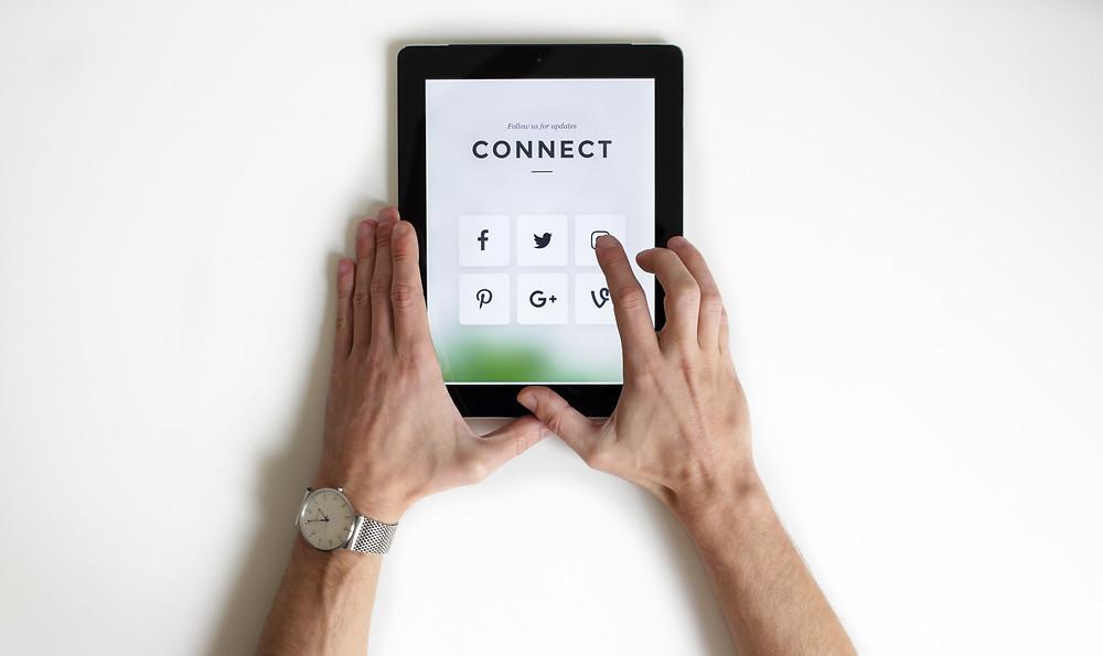 Social media share buttons on iPad