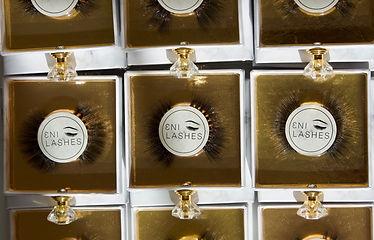 Eni-Lashes-Long-eyelashes-group.jpeg