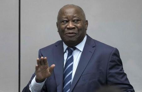 COTE D'IVOIRE / POLITIQUE : LE GOUVERNEMENT TRAITE LA DEMANDE DE PASSEPORT DE LAURENT GBAGBO