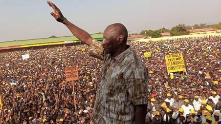 PRESIDENTIELLE EN GUINEE : LE CONSEIL AFRICAIN DES MEDIAS PREDIT UNE VICTOIRE DU PRESIDENT ALPHA CON