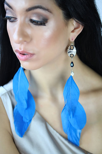 Lunor Eclipse Charm with Hypnotic Blue Feathers Long