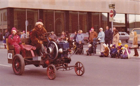 santa clause parade g.jpg